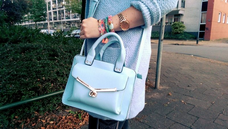 LOOK OF THE DAY: Lightblue Fall