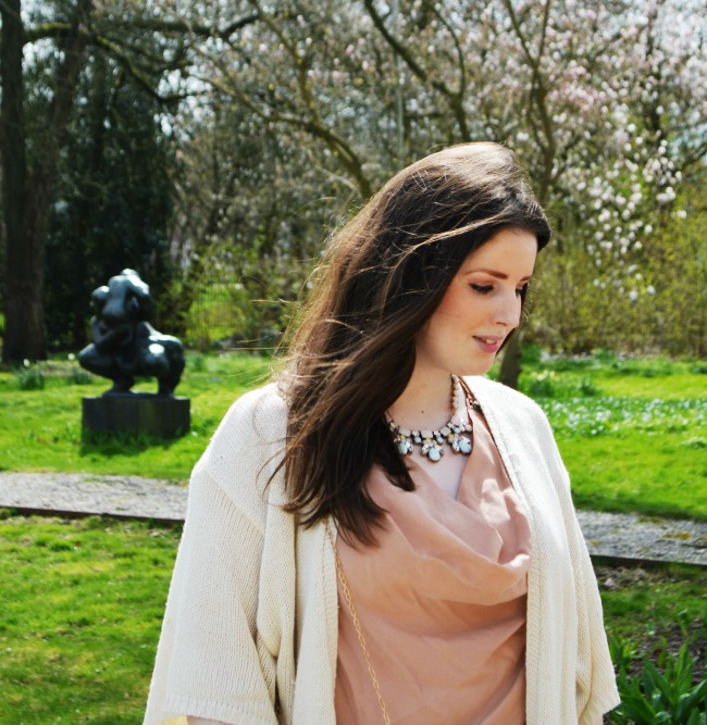 LOOK OF THE DAY: Under a Blossom Tree
