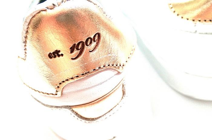NEW IN: Wit met roségouden sneakers van Sacha Shoes