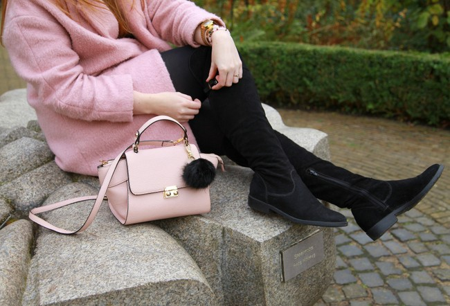 LOOK OF THE DAY: Pastels in Fall