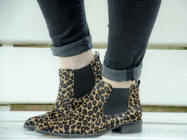 LOOK OF THE DAY: Leopard boots