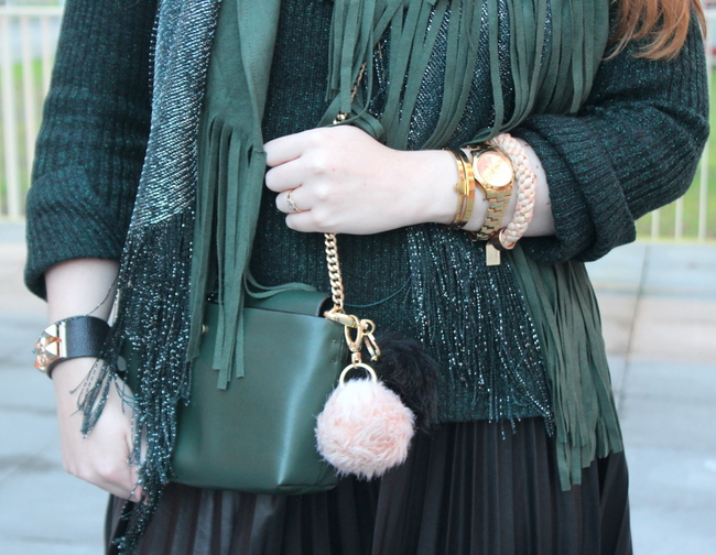 LOOK OF THE DAY: Emerald fringes
