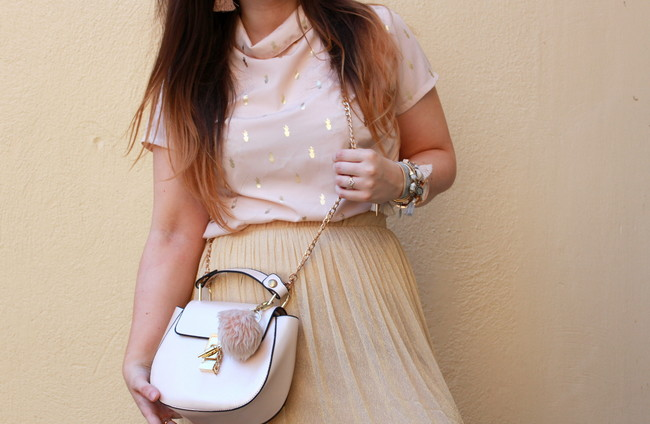 LOOK OF THE DAY: Drippin' in gold