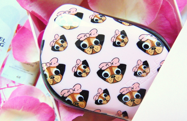REVIEW: Tangle Teezer Limited edition 'Pug love' compact styler