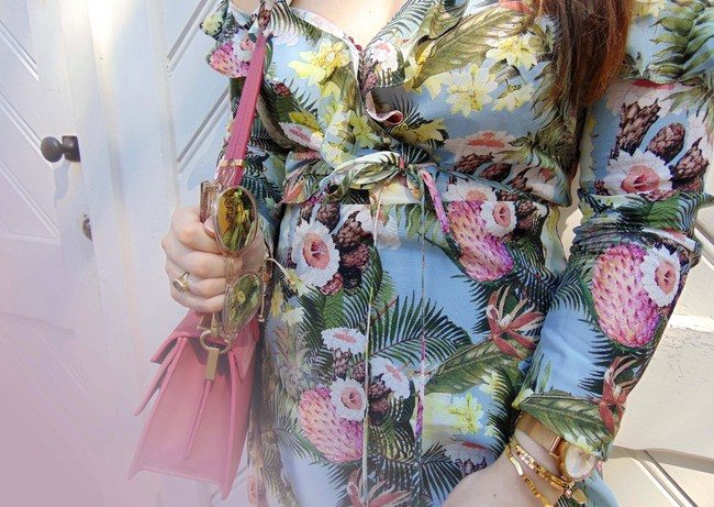 LOOK OF THE DAY: Floral wrap dress