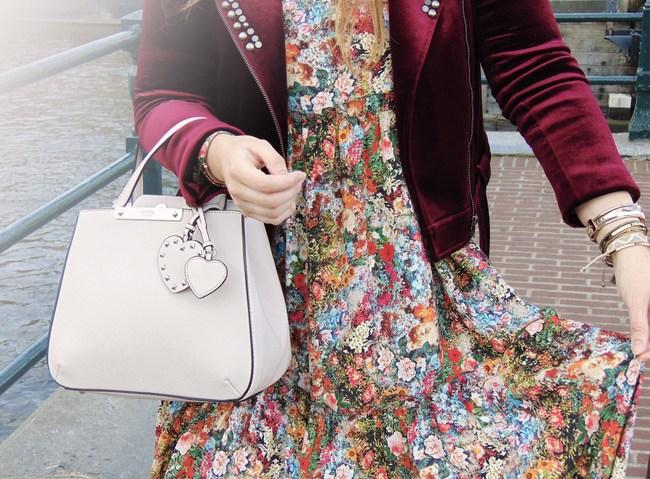 Duifhuizen tassen en koffers – nude Guess bag