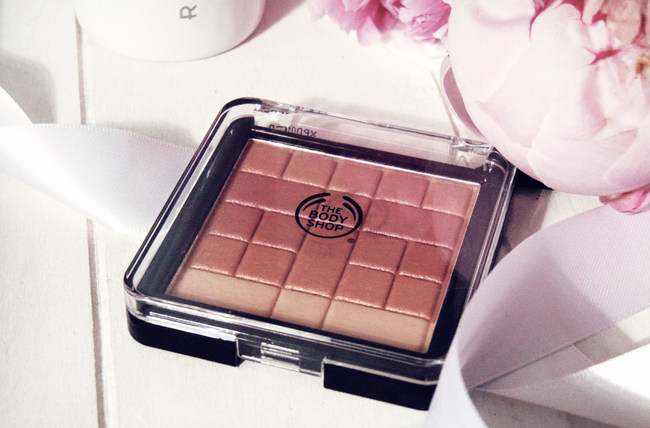 The Body Shop 'Shimmer Waves' bronzer